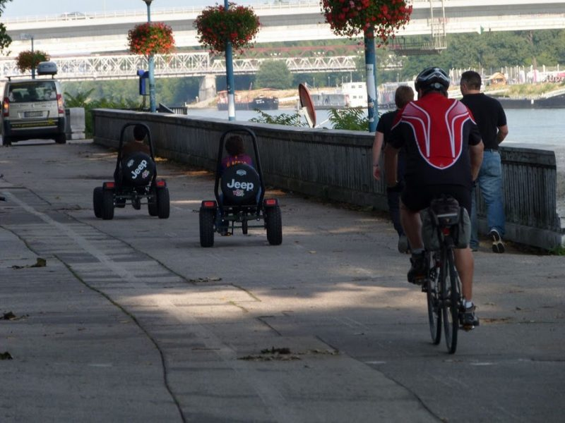 Buginy Riverparku na cyklotrase
