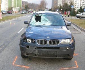 Auto vodiča, ktorý zrazil cyklistu a ten zomrel