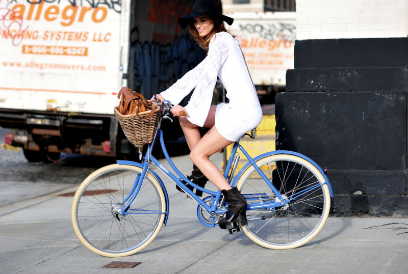 V lete na bicykli chic (zdroj: Hanneli.com)