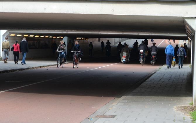 Príklad podjazdu pre chodcov a cyklistov v Holandsku