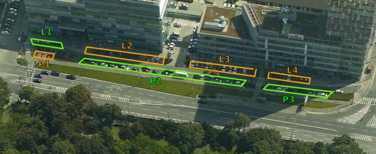 Návrh na reorganizáciu parkovania pred CBC. Oranžová: existujúce kolmé parkovanie, zelená: navrhovaná  zmena pozdĺžneho parkovania na šikmé