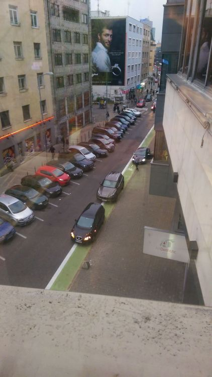 Vodiči troch vozidiel porušujú zákon 8/2009.