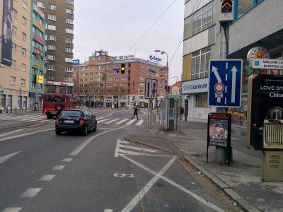 Mesto zabudlo zlegalizovať pravé odbočenie od Štúrovej na Dunajskú pre cyklistov.