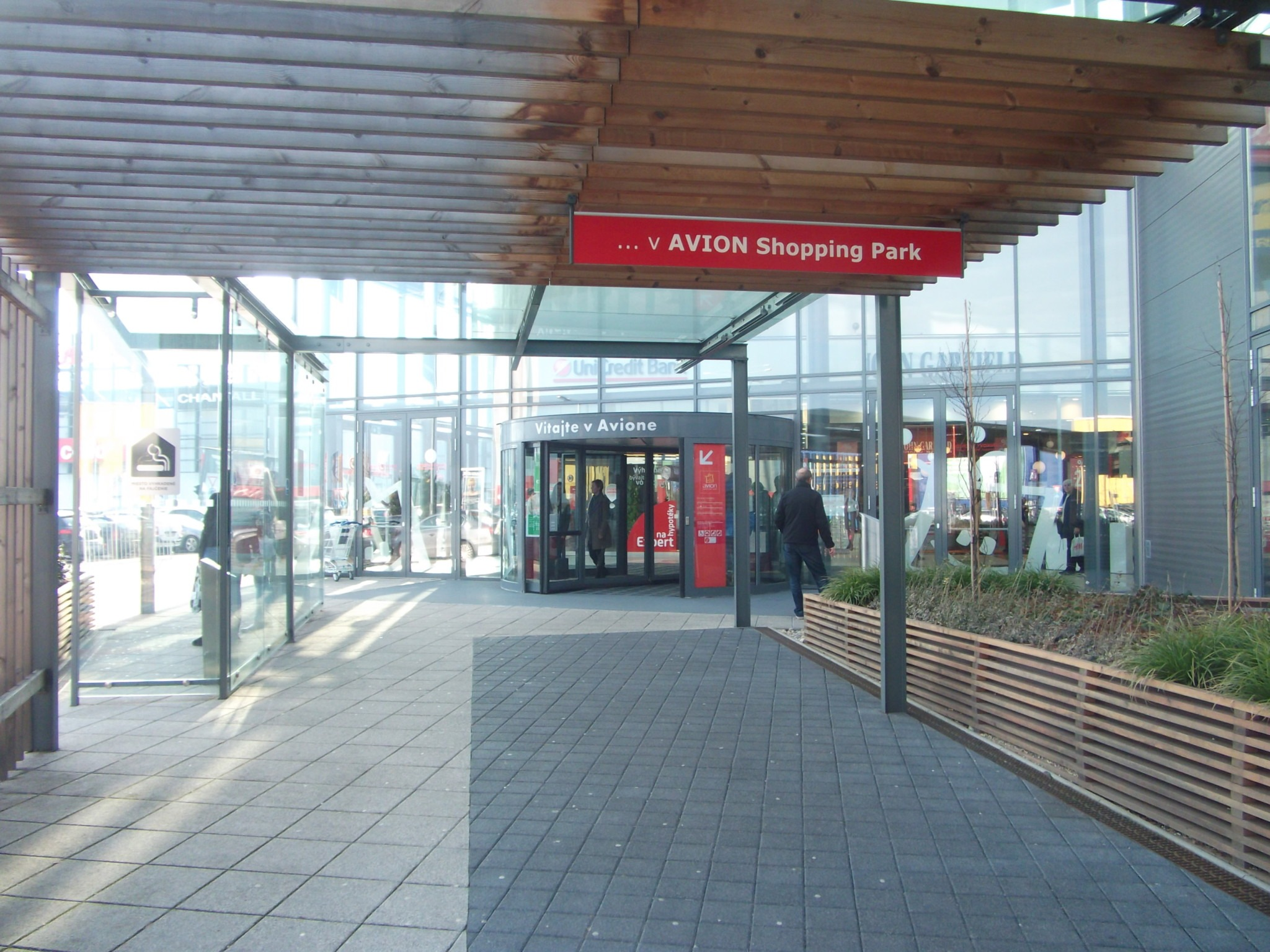 0eb5c70ebb Parkovanie bicyklov pred veľkými nákupnými centramiCyklokoalícia ...