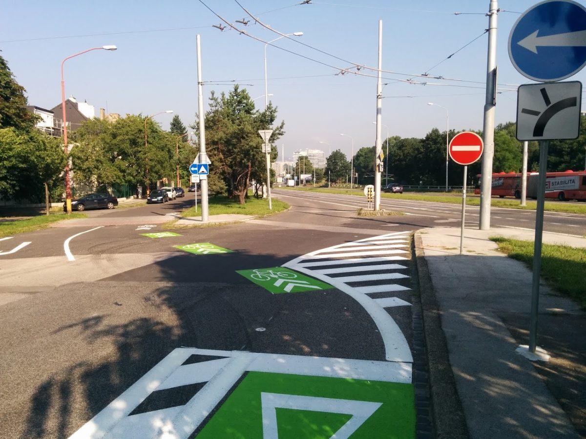 Protismerný cyklopruh na Prokopa Veľkého smeruje na Brniansku