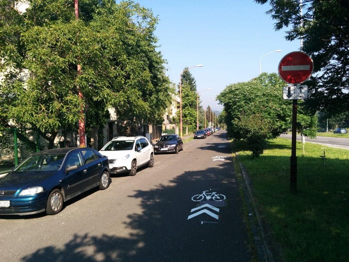 Po starej Brnianskej sa dá jazdiť bicyklom aj v protismere