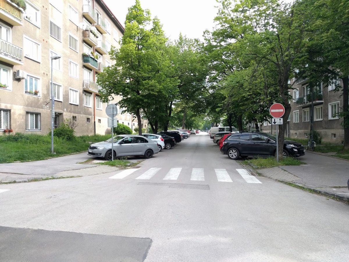 Sibírska od Ursýniho - uložnenie jazdy cyklistov v protismere