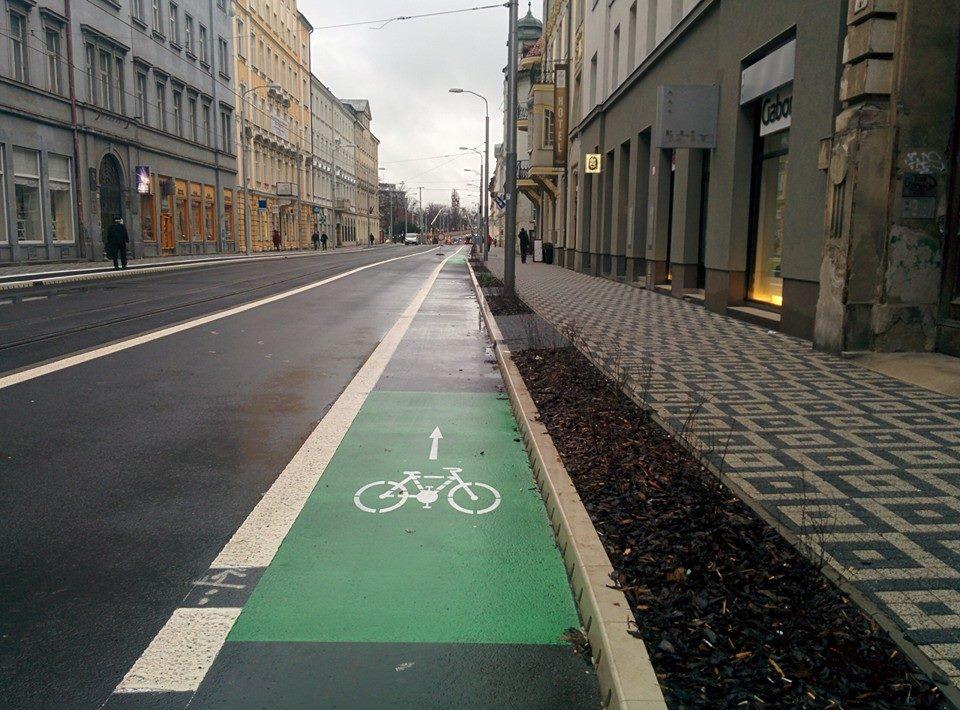 Namaľované cyklotrasy sú horšie ako žiadne. Alebo aj nie.